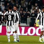 Juve Gagal Kuasai Trofi Supercoppa Italia