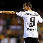 Paco Alcacer Tak Ragu Pindah ke Manchester United