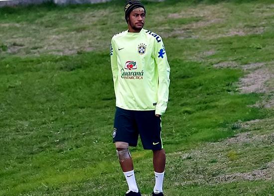 Cedera Neymar Memberi Masalah Serius Bagi Barcelona